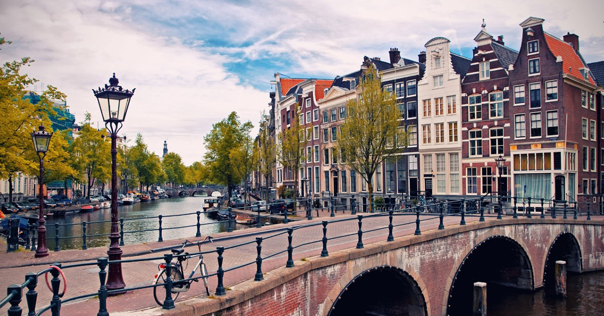 Professional-Internship-in-Amsterdam